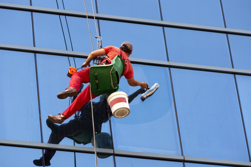 High Rise Window Cleaning Jobs in Canada (For Immigrants)