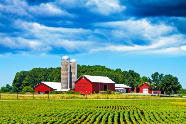 Are You Looking to Work in Farming & Agriculture in Canada?
