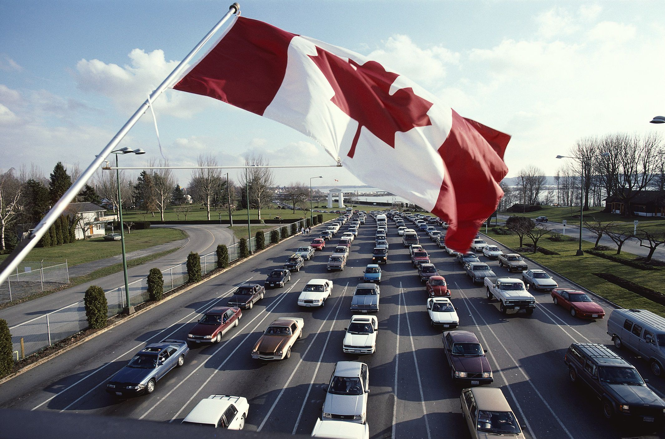 More Americans Want to Leave & Canada Is Where They Want to Go!