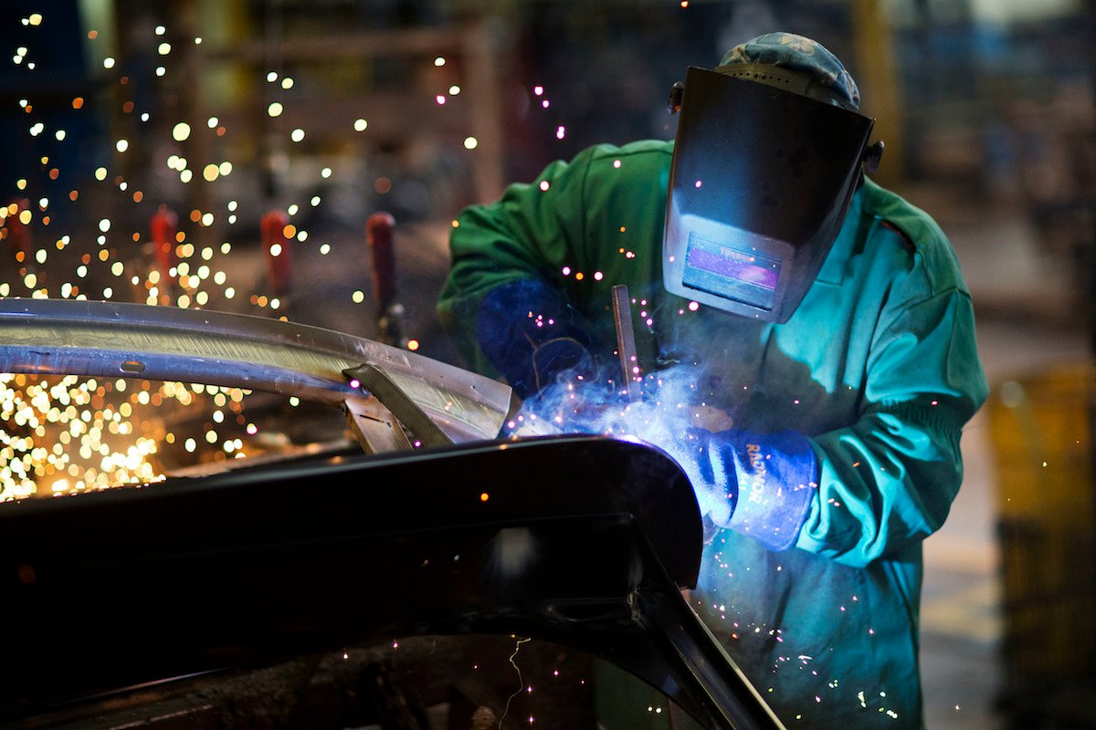 The Highest-Paying Skilled Trades in Canada Right Now!