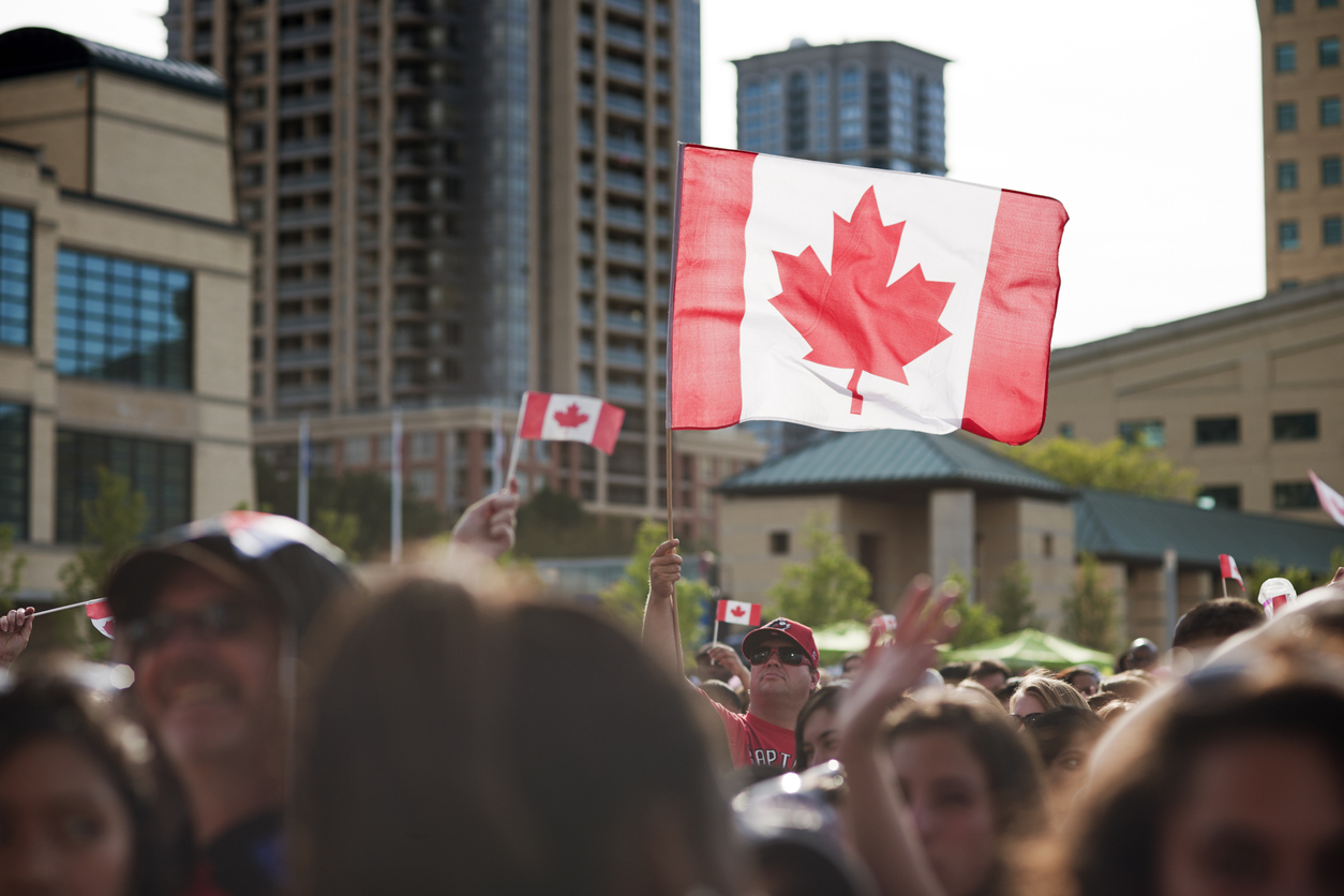 Despite COVID-19, Canada continues to accept immigration applications from Express Entry candidates